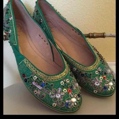 Chinese Laundry Green Sequence Flats Pre-owned slightly used Chinese Laundry Shoes Flats & Loafers