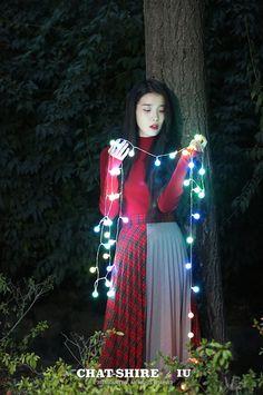 Singer and actress Lee Ji Eun Iu Fashion, Korean Fashion, Iu Chat Shire, Kpop Girl Groups, Kpop Girls, Korean Celebrities, Celebs, K Pop, Photoshoot Bts