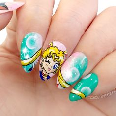 Our taste for Sailor Moon doesn't end, it just evolves. While when we were little, the greatest demonstration of fanaticism was not to miss a single episode, we now show idolatry by putting o… Uñas Sailor Moon, Sailor Moon Nails, Pretty Nail Art, Cute Nail Art, Cute Nails, Anime Nails, Work Nails, Kawaii Nails, Disney Nails