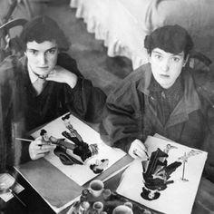 Janet and Anne Grahame Johnstone, twin sister illustrators at work in their studio at Badingham. British Books, British Traditions, Childhood Stories, Children's Picture Books, Little Golden Books, Freelance Illustrator, Christmas Art, Nursery Rhymes, Vintage Children