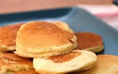 Cómo hacer blinis | Cocinatis Crepes, Waffles, Pancakes, Food Porn, Diet, Breakfast, Noodle, Appetizers, Food Cakes