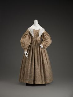 dress  nationality American  creation date 1830's  materials challis and basque  Indianapolis Museum of Art  accession number 70.117.3
