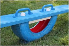 Spielgeräte Garten Karussel Wippe alte Reifen selber bauen Play equipment garden carousel seesaw to build old tires yourself. Tire Playground, Playground Design, Playground Ideas, Recycling For Kids, Diy For Kids, Big Kids, Diy Yard Games, Reuse Old Tires, Recycled Tires