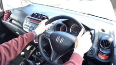 How to turn the steering wheel correctly.