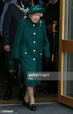Royal Monarchy, Scottish Parliament, Brollies, Queen Elizabeth Ii, British Royals, British Isles, Coat, Gloves, Collection