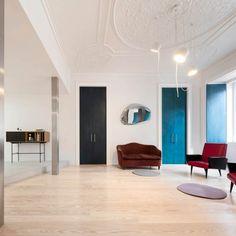 Coup de coeur pour le travail des architectes portugais de fala atelier, étude basée à Porto, au Portugal. Les architectes ont aménagé avec originalité et
