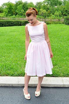 50s dress tutorial:  Fabric--Free Spirit Solid in Emerald   ( http://www.hawthornethreads.com/fabric/designer/free_spirit_house_designer/free_spirit_designer_solids/free_spirit_designer_solid_in_emerald )