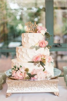 elegant three tiered wedding cake for fall wedding 2015