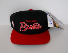 """Sports Specialties Chicago Bulls """"The Pro"""" 2-tone double line script snapback (deadstock/nwt)"""