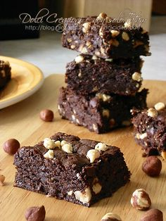 Brownies with hazelnuts Jam Recipes, Sweets Recipes, Brownie Recipes, Chocolate Recipes, Mini Desserts, Just Desserts, Tortilla Sana, Healthy Cake, English Food