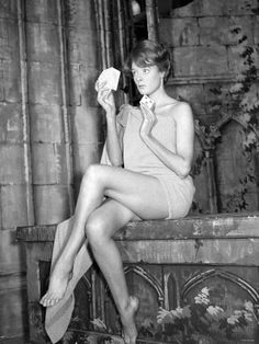 and young professor mcgonagall (maggie smith)