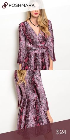 ✨🆕✨ADORABLE V-NECK TUNIC ✨🆕✨ ✨🆕✨ adorable, V-neck, three-quarter sleeve, tunic! Very feminine, flattering! ✨🆕✨ Tops Tunics