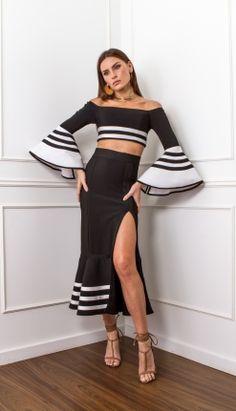 CONJUNTO CROPPED MANGA FLARE - COJ3419 | Skazi, Moda feminina, roupa casual, vestidos, saias, mulher moderna