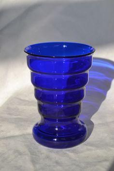Online veilinghuis Catawiki: K.P.C. de Bazel - blauwglazen vaas