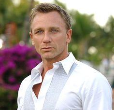 Daniel Craig to be longest serving James Bond? Five more? Yes pleaseee