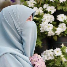Hijab Niqab, Muslim Hijab, Hijab Outfit, Niqab Fashion, Muslim Fashion, Kpop Fashion, Dps For Girls, Muslim Beauty, Islamic Girl