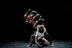 "Nedrlands dans Theater ""Solo echo//Crystal pite"" (Sol Léon & Paul Lightfoot)"