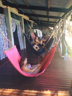 How was your weekend? Time to enjoy the hammock area overlooking the ocean. Environmental Research, Volunteer Programs, Gap Year, Travel Abroad, Island Life, Hammock, Ocean, Outdoor Decor, Time Out