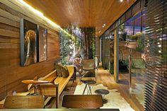 Casa container projetada por Cristina Menezes pode ser transportada para qualquer lugar