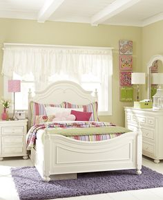 e25ef08f7773 Fun and Fresh - Post Bed - The Charlotte Collection by Legacy Classic Kids # kids