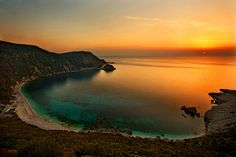 September sunset at Petanous in Kefalonia island, Greece Beautiful Islands, Beautiful Places, Beautiful Sunset, Amazing Places, Nature Beach, Greece Islands, Exotic Places, Visit Italy, Travel Goals