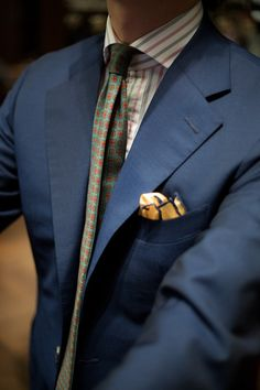 Get the look - Pick out the navy detailing in the pocket square using a Picasso Jasper tie bar Sharp Dressed Man, Well Dressed Men, Suit And Tie, Gentleman Style, Looks Cool, Mens Suits, Style Guides, Dress To Impress, Style Me