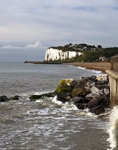 Kingsdown Beach in Kent, England, through the eyes of Ricx Dover England, Kent England, Family Origin, Cottages By The Sea, Places Of Interest, East Sussex, British Isles, Holiday Destinations, Holiday Travel