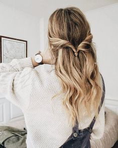 Hairstyles Updo Easy Lazy Girl Cas 48 Ideas For 2019 Frisuren Hochsteckfrisur Easy Lazy Girl Cas 48 Good Hair Day, Gorgeous Hair, Pretty Hairstyles, Wedding Hairstyles, Hair Looks, New Hair, Hair Inspiration, Curly Hair Styles, Hair Styles Casual