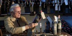 Speciale Toscana: le riserve d'autore della Tenuta Il Greppo. Biondi Santi   The late Franco Biondi Santi examines a bottle of his Tenuta il Greppo Riserva.