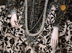 Peake the Elder, Robert (1551–1619) Portrait of a Woman, Traditionally Identified as Mary Clopton (born Waldegrave), of Kentwell Hall, Suffolk. (detail) circa 1600.oil on panel. Yale Center for British Art