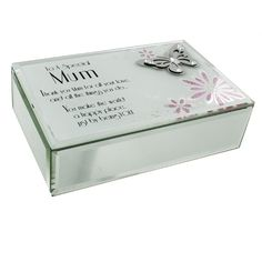 An ideal gift for your special Mum The box measures 20 8 cm x 14 cm x 8 2 cm Made from quality materials The box has the text To a special Mum -