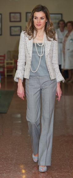 Queen Letizia's Style | tailored jacket with 3/4 sleeves, solid matching top and slacks, straight pant cut past ankles to elongate frame, long looped pearls (inadvisable with larger bust)