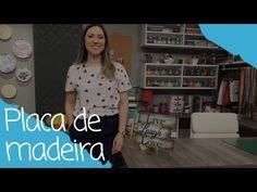 Como fazer uma placa de madeira - 06/03/17 - YouTube Stencil Decor, Stencils, Arte Pallet, Decoupage, Repurposed, Short Sleeve Dresses, Youtube, T Shirts For Women, Country