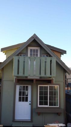 Lil Abode company specializes in 120-480 sq ft award winning ,contractor built ,Micro /Tiny homes.These units are designed for transport as they are 12′ wide and can be craned onto a low boy trailer for transport if needed. They are site built or pre built and transported if you job site will accommodate it. i…