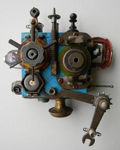 Artist Jen Hardwick creates whimsical assemblage art made from recycled materials, salvaged metal and junk. Sculpture Metal, Paper Owls, Found Object Art, Art Brut, Funky Art, Assemblage Art, Collage, Recycled Art, Metal Crafts