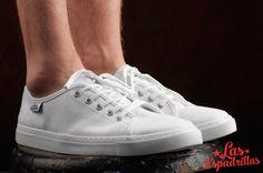Классика в мире кед, белые кеды Las Espadrillas просто и со вкусом, идеальное сочетание комфорта и стиля. #buy #shoes #footwear #style #woman #man #sneakers #keds #converse #Обувь #стиль #journal #vans #look #like #madeinukraine #hypebeast #sneakerfreaker #sneakernews #goodlook #кеды #стиль #бренд #обувь #магазин