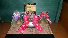 San Valentino sta arrivando.  Noi, ti diamo idea per creare il tuo BOX GIFT  Un bagnoschiuma + una tavoletta di cioccolato Una crema corpo + un sacchetto di caramelle Un rossetto + una tisana Un profumo + un gessetto da profumare Un lucidalabbra + una calamita  Tanti abbinamenti per stupirla. E farla felice.  La scatola ed il pout pourri sono in regalo.  #hibiscusmelito #sanvalentino #sanvalentinesday #ideeregalo #iloveyou  #tiamo