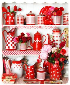 I'm loving this bright red and white kitchen decor. I'll make sure to hit up my local garage sales for some retro looks. Red And White Kitchen, Cherry Kitchen, Decoration Shabby, Red Cottage, Red Gingham, Vintage Kitchen, Red Kitchen Decor, Kitchen Country, Country Life