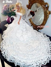 JACKELINE, by Dalva - D Simonetti - Picasa Web Albums - can't seem to find where there is a pattern Barbie Crochet Gown, Crochet Barbie Patterns, Barbie Clothes Patterns, Crochet Barbie Clothes, Barbie Gowns, Crochet Doll Pattern, Barbie Dress, Crochet Dolls, Barbie Doll