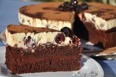 Sour cherry and chocolate cake - Tort cu visine si mousse de ciocolata - sava laura Baby Food Recipes, Sweet Recipes, Cake Recipes, Dessert Recipes, Romanian Desserts, Romanian Food, Delicious Deserts, Healthy Desserts, Yummy Cookies
