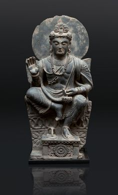 A very rare and impressive Gandhara figure 'Avalokiteshvara' Gandhara-region/Pakistan, cent. Chinese Buddhism, Buddhist Art, Pakistan Art, Meditation Art, Tibetan Art, Gautama Buddha, Guanyin, Aesthetic Art, Ancient History