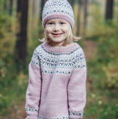 Kaarrokeneulepaita lapselle on klassikko parhaasta päästä. Baby Knitting Patterns, Dory, Little Princess, Diy And Crafts, Crochet Hats, Colours, Sweaters, Shopping, Fashion