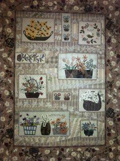 Beautifully appliqued quilt  :)