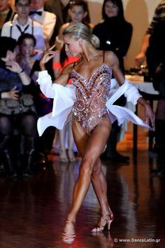 According to experts, salsa dancing can burn up as many as 10 calories per minute. Best of all, it's really easy to learn the salsa and a great way to get Latin Ballroom Dresses, Ballroom Dancing, Latin Dresses, Just Dance, Baile Latino, Salsa Dress, Salsa Dancing, Dance Fashion, Shows