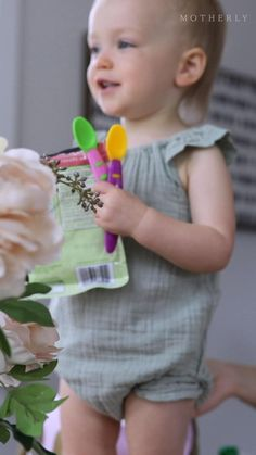 What snack is convenient and always a hit with toddlers and babies? Pouches! Here are our favorite ways to up-level your pouch game.