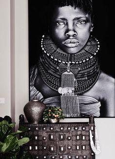 O estilo étnico na decoração é ter um pouquinho de outra cultura em casa. Estampas, cadeiras e almofadas são apenas alguns itens para decorar. Descubra!