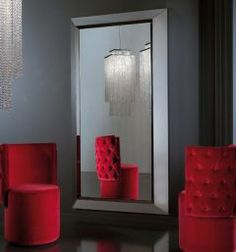The Diva Collection dressing mirror here is a real statement piece for any room in the house.