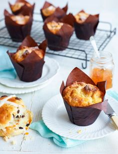 In love with these yummy hot cross bun muffins. Would love to make a batch for breakfast especially!