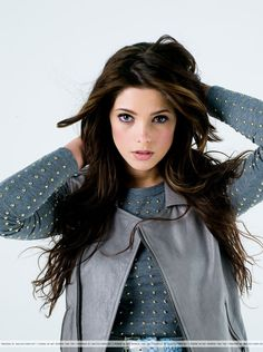 Ashley Greene I get told I look like her Ashley Green, Beautiful Young Lady, The Most Beautiful Girl, Jackson Rathbone, Fall Hair Colors, Portraits, Jennifer Connelly, Beautiful Celebrities, Gorgeous Women