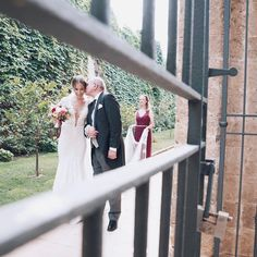 One year ago - today - right now��������❤ #wedding #marcoandelkewedding #oneyearanniversary #marriage #justmarried #bride #weddingdress #realbride #berta #couture #fashion #design #fairytale #blessed #family #love #sicily #trabia #couture #castellolanzabranciforte #loveyou #wanderlust @marco_andrea_tolentino http://gelinshop.com/ipost/1524772661829143104/?code=BUpFKhHjYpA